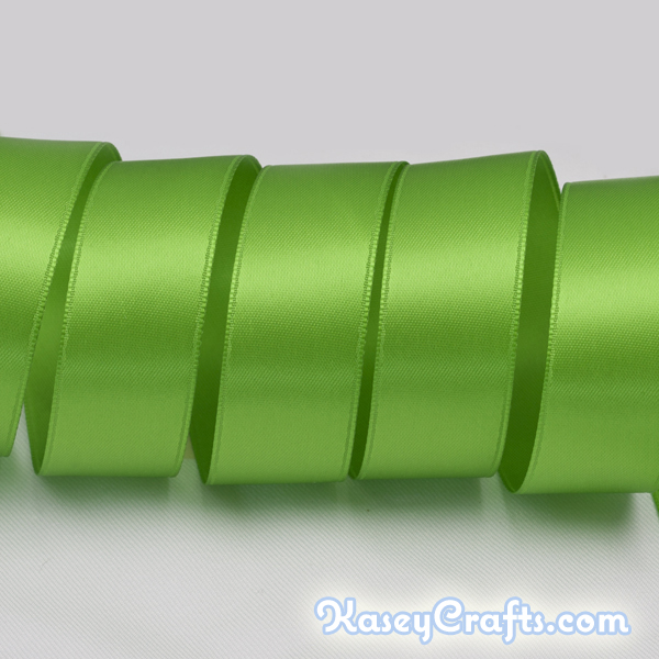 P842_apple_green_ribbon_satin_double_faced
